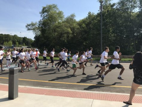 Students and Parents Participate in 2018 5k Color Run