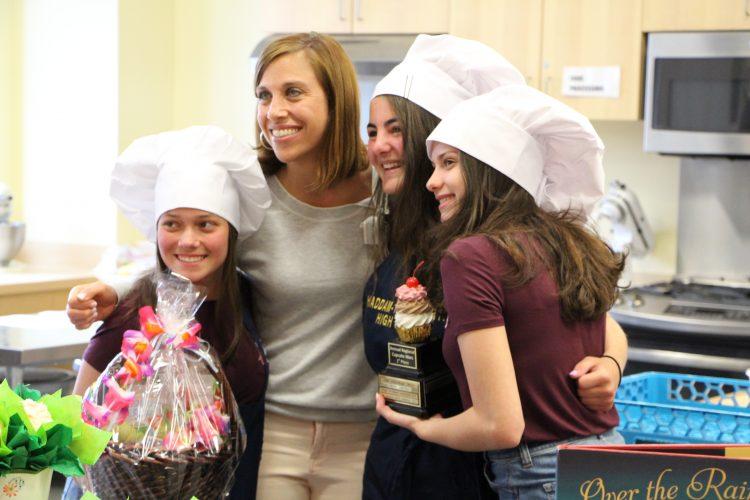 Roses Win Regional Cupcake Wars